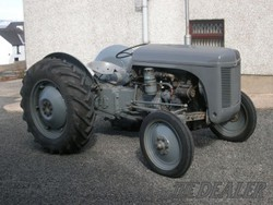 Breaking a 1947 Grey Ferguson TEA 20, Diesel P3, Perkins Conver, Parts are original & in Excell Cond