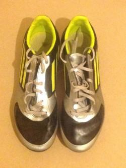Adidas F30 Football Boots Size 5