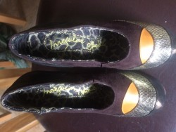 Size 4 irregular choice shoes