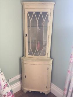 Cream painted corner unit