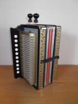 10 Hohner melodeon in the key of G