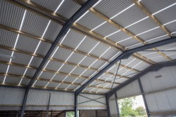 Ventilated Sheeting & Timber Purlins