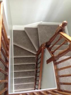 Carpet, Vinyl & Wood Floor Fitter
