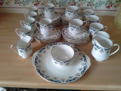 Vintage Elegant Fine Bone China Tea and Coffee Set In Great Condition