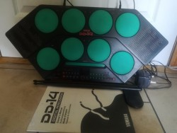 YAMAHA DIGITAL DRUM PADS WITH USER MANUAL