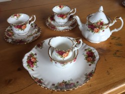 Royal Albert Old Country Roses tea for two set