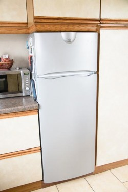 Fridge cooker kitchen cabinets