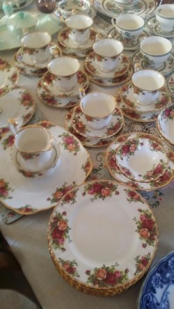 21 piece  Royal Albert tea set