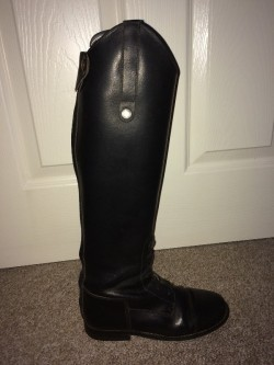 Rectiligne tall black leather riding boots