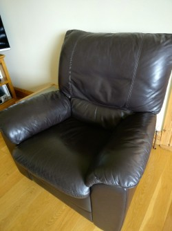 Leather 3-1-1 suite for sale