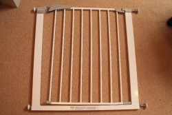 2 x Lindam sure shut axis stair gates & extensions