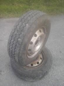 2 rims and new van tyres 195/70R15