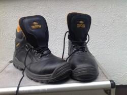 Trucker boots