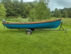 19 Lake Boat For Sale.
