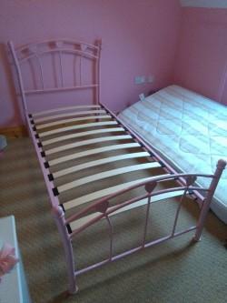 single bed pink metal frame