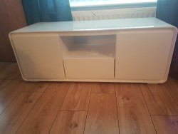 Cosmo Curved White Gloss Tv Unit - Brand New