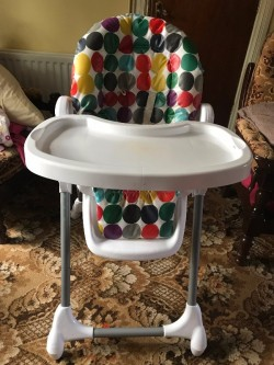 MAMAS AND PAPAS HIGHCHAIR FOR BABY TODDLERS WITH BIG TABLE ADJUSTABLE HEIGHT FOLDS FOR STORAGE