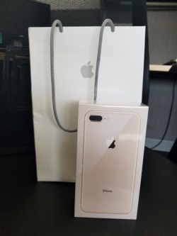 Apple iphone 8/8 plus  gold 256gb whatsapp:+14703192912