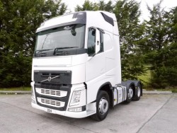 (Ref id T1-01494)  2014 Volvo FH4 13 500 Globetrotter - 6x2 - i Shift Gearbox