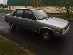 Vintage 1983 Renault 9 - old Irish Reg