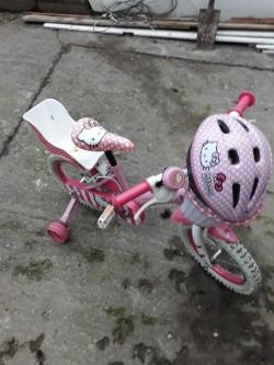Girls 14 inch bike with extras