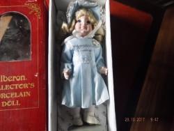 4 vintage porcelain dolls