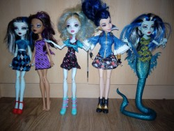 monster high / descendents dolls