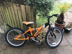 Boys bike 20 inch wheel Age 7-8