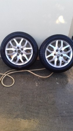 Toyota auris alloys