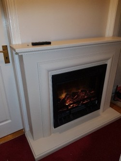 Flame effect fireplace