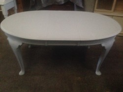 Oval painted Dining room table with leaf