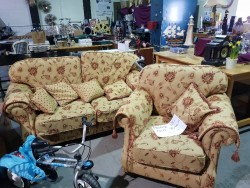 Brand new luxurious 3 seater+ chair