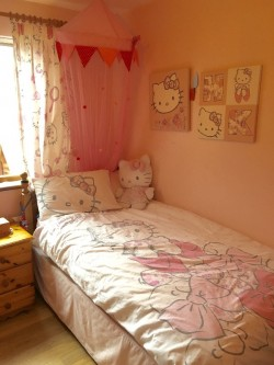 Hello Kitty single bed set , curtains, 2 wall canvas