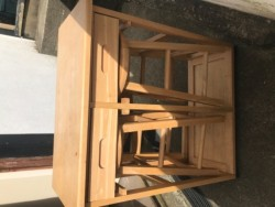 Dinette table/2 stools