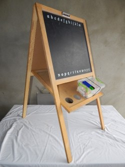 childs easel