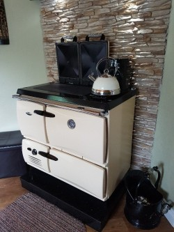 Stanley donard cast iron solid fuel range cooker - cream