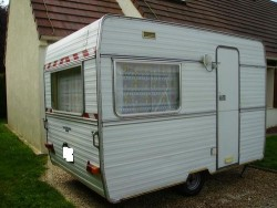 caravan Caravelair 3 / 4 places with awning