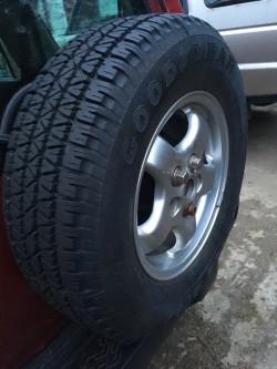 """Land Rover 16"""" alloys"""