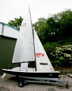 Sailing Dinghy Laser 200