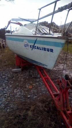 4 wheel trailer,22ft sailing hull,alloy mast + sails