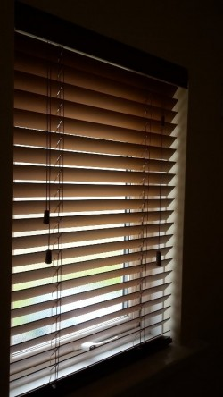 Wooden Venetian Blinds (full house)