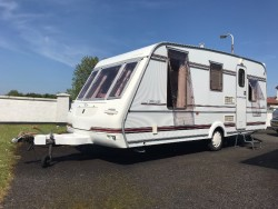 Connoisseur Compass 490/50 Year 1997 4/5 Birth Towing Caravan