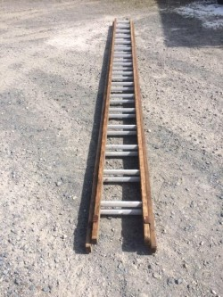 14ft wooden Double extension ladder with steel threads
