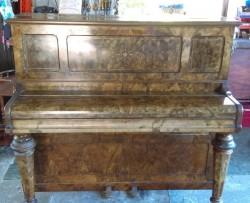 Piano free to take away.