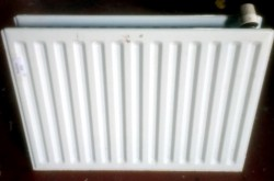 Radiator 700mm wide + Free Thermostatic valve & wall brackets
