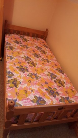 Twin/Bunk Beds
