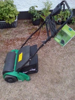 Lawn Moss Scarifier