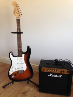 SQUIER AFFINITY LEFT HANDED STRATOCASTER SUNBURST WITH MARSHALL AMP. MINT CONDITION.