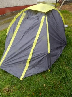 2 person tent and two single blankets