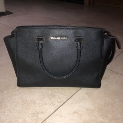 Michael Kors Selma Hand Bag